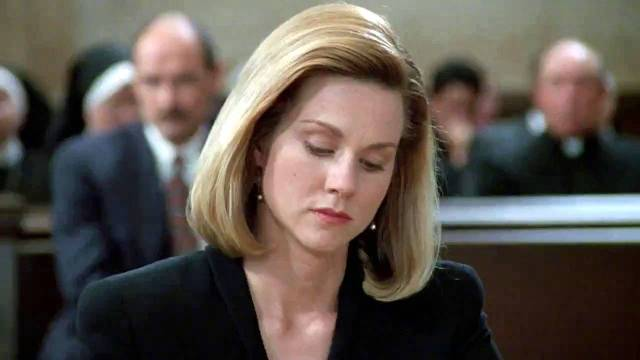 Laura Linney - the attractive prosecuting attorney and former lover of Vail.