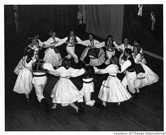 A Scottish Folkdance - The Round