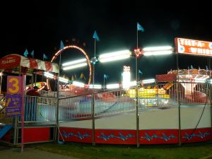 Tilt-A-Whirl - famous at a traveling carnival (Photo Credit: Wikipedia)