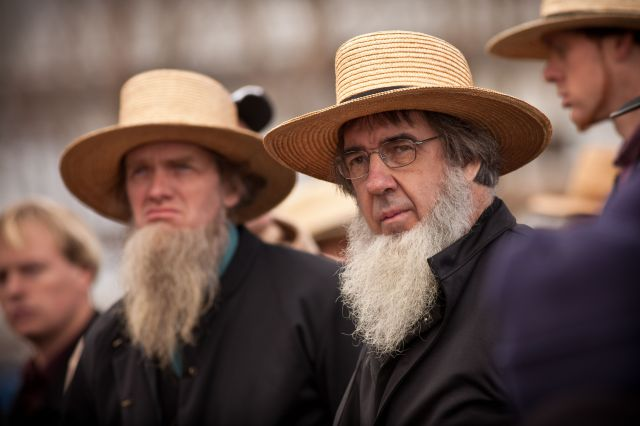 """Amish Community Holds Its Annual """"Mud Sale"""""""